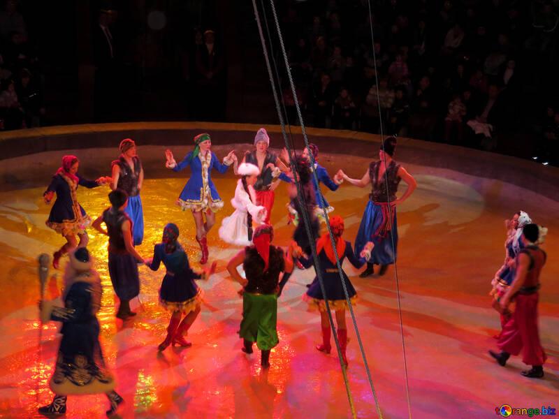 Артисты цирка №15795