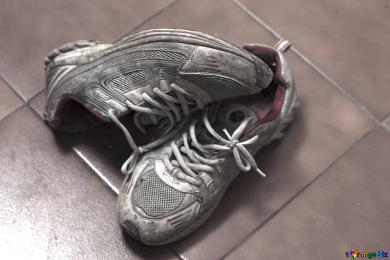Old sneakers №15436