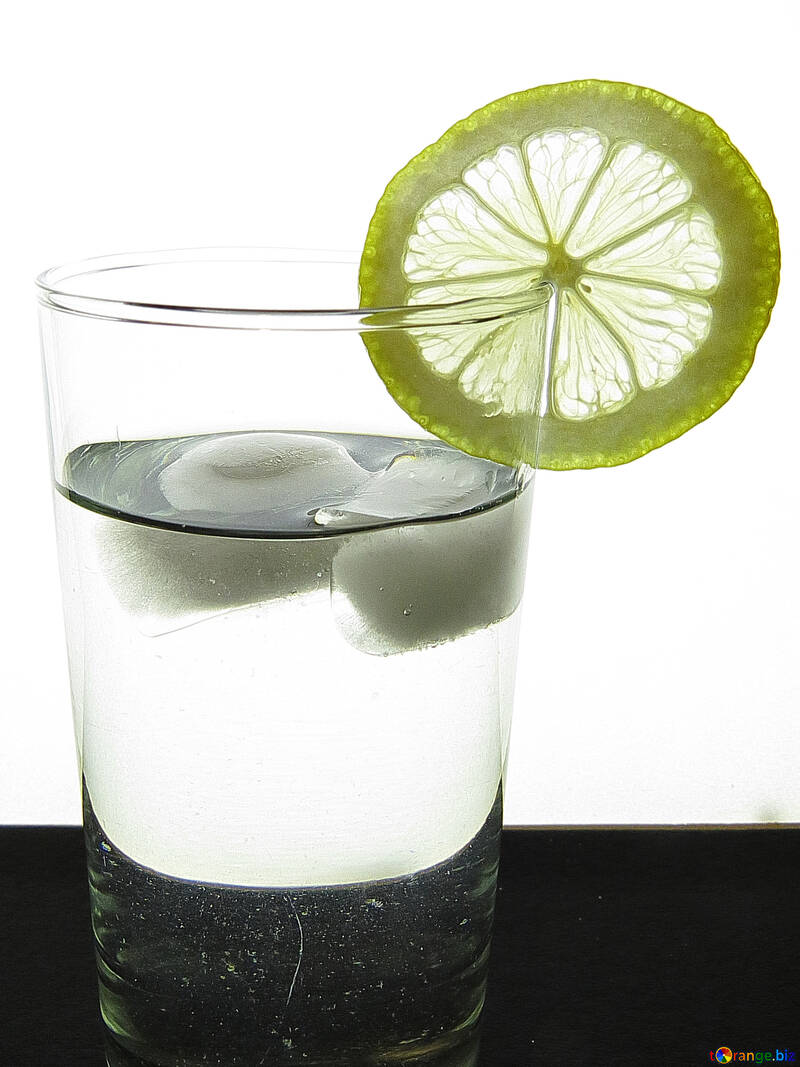 Lemon, glass, ice №16132