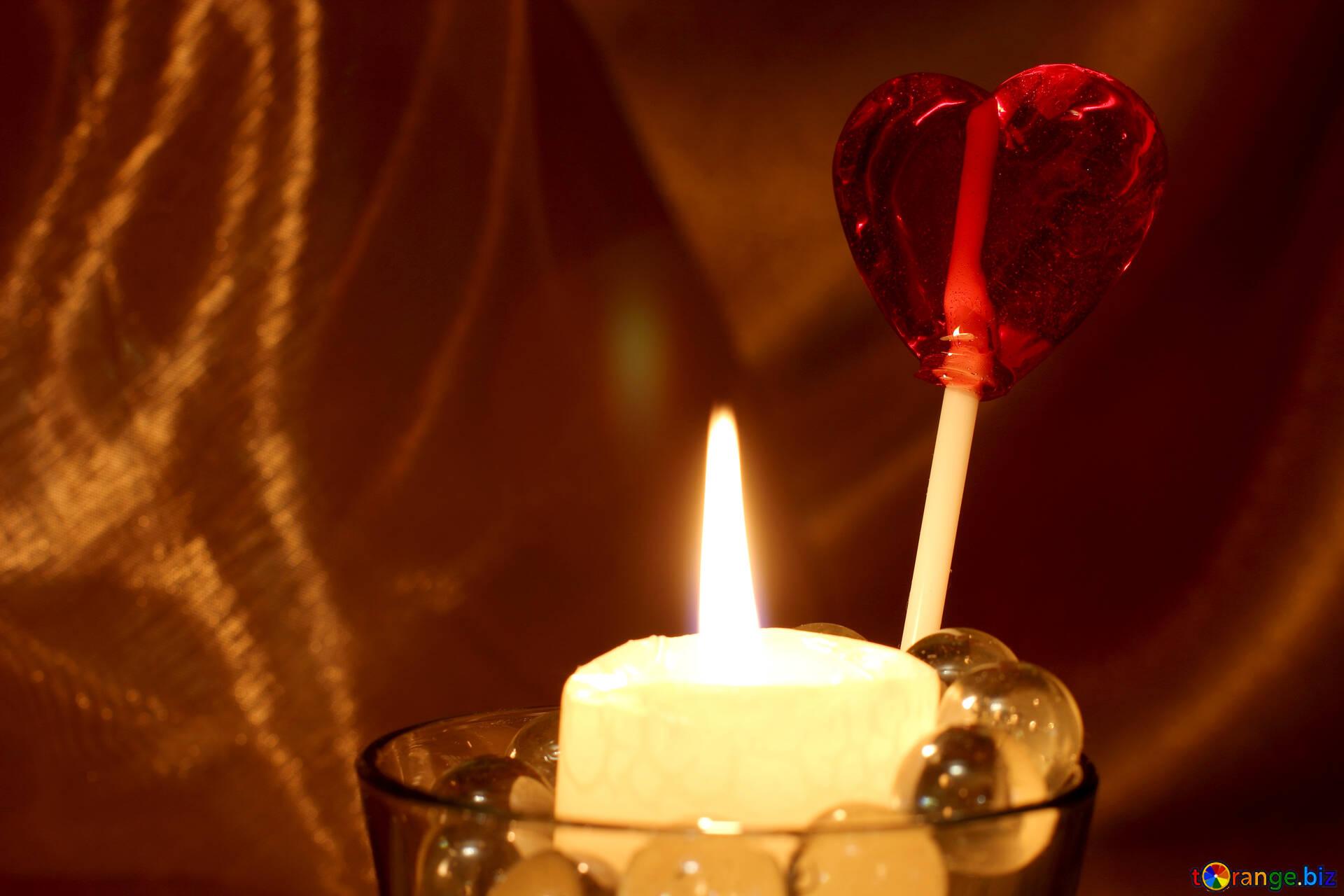 Любовь и свечи. открытка