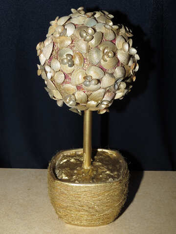 Tree with seashells №17881