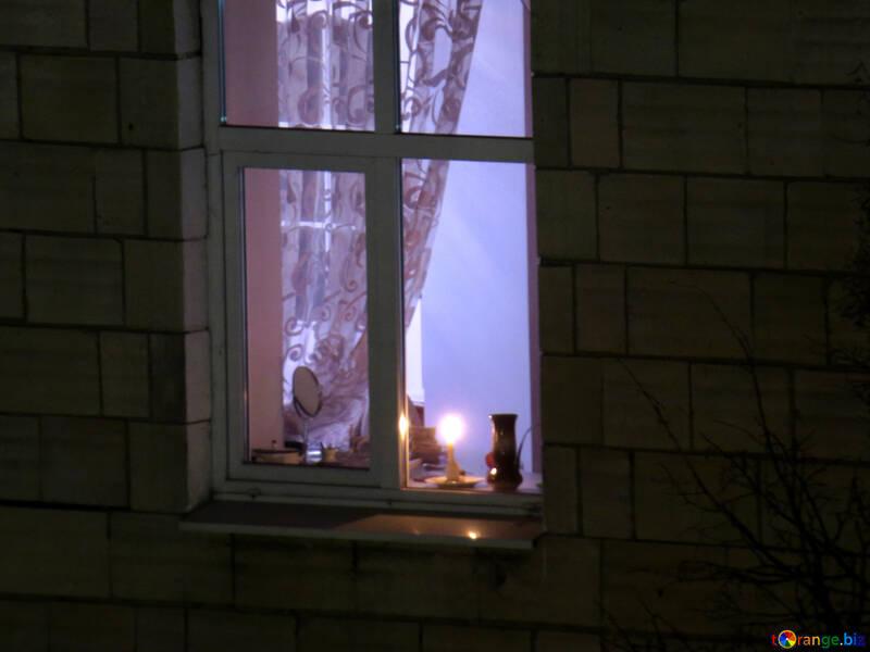 Candela nella finestra №17423