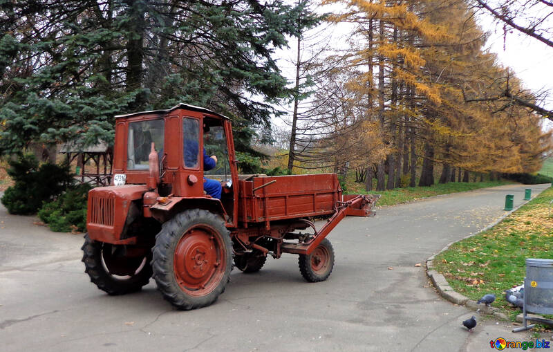 Tractor with body №17689