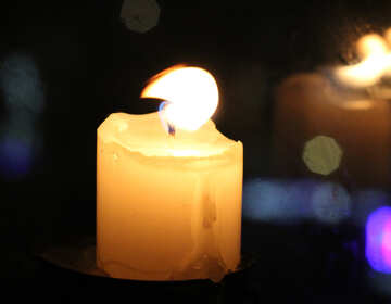 The candle in the window of an urban apartment №18131