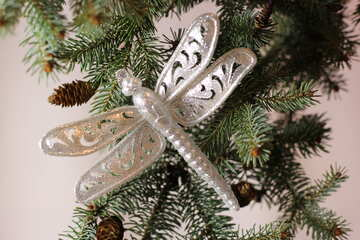 Dragonfly on Christmas tree №18395