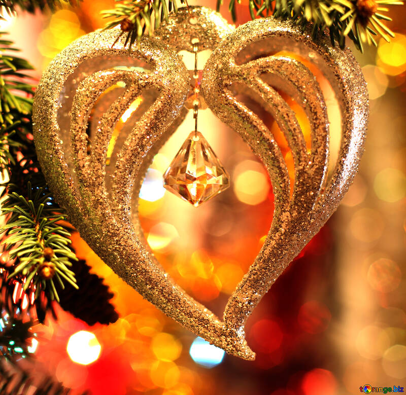 Сердечко на елке №18387