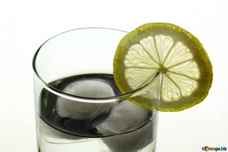 A glass of water with lemon №18311