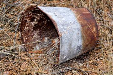 Old bucket №19076