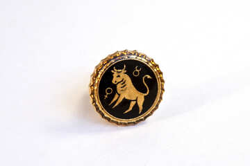 Gold cuff links. Taurus №2114