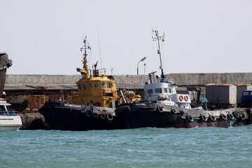Schlepper im Hafen №2192