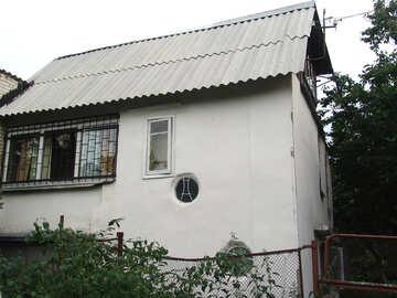 Casa con finestre rotonde  №2770