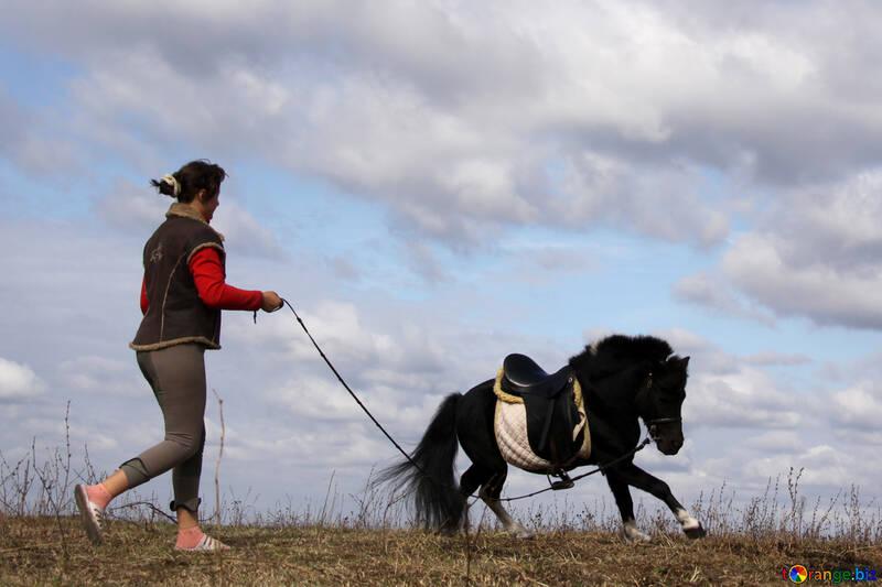 Girls treniruote pony №2128
