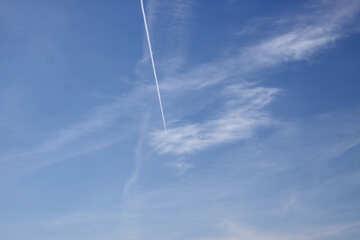 Trail behind an airplane №20307
