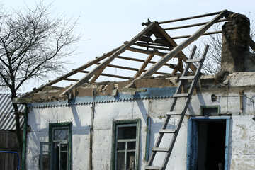 Dismantling of the old house №20536