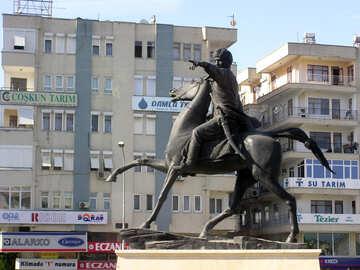 Памятник Кей-Хосрову в Анталье №20990