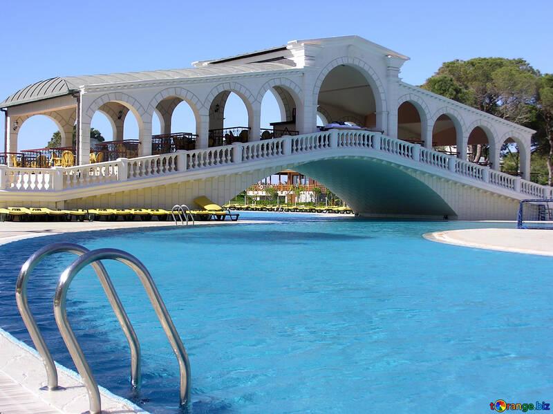Restaurant Brücke über den pool №20902