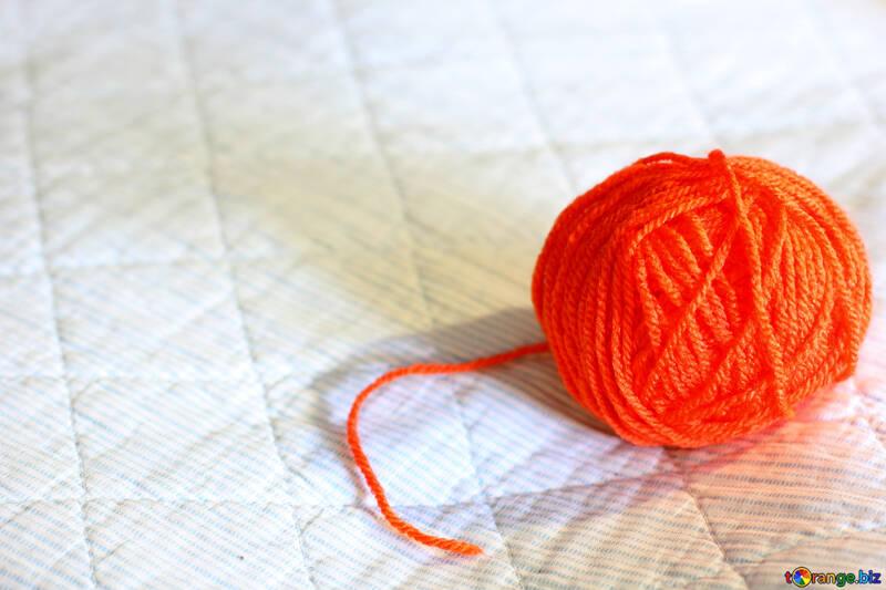 Une pelote de fil à tricoter №20508