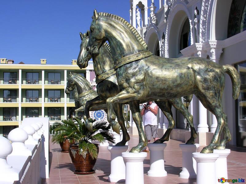 Sculptures of horses №20913