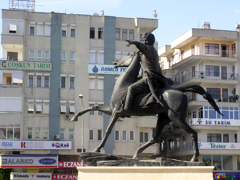 Kay Khusraw Denkmal in Antalya №20990