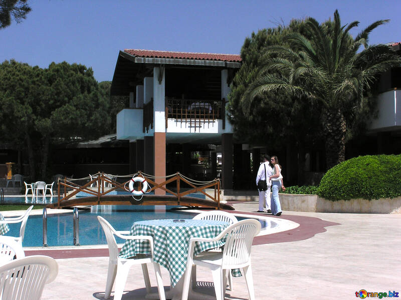 Muebles de playa un hotel pequeño y acogedor piscina № 20722