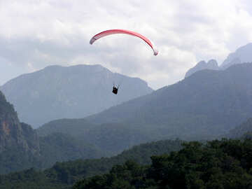 Parachute in the mountains №21149