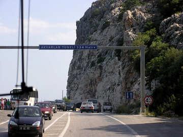 Eintritt in die Berg-tunnel №21147