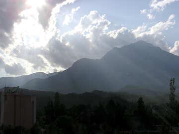 Montañas al atardecer №21975