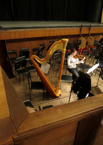 The orchestra pit №21644