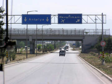 Der Weg zum Flughafen von Antalya №21212