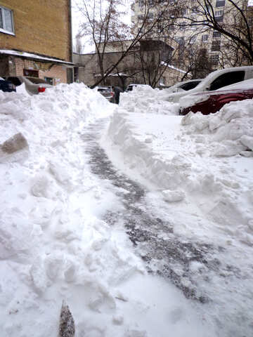 Cars blocked snow parked in the house №21610