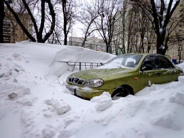 Car covered with snow №21602