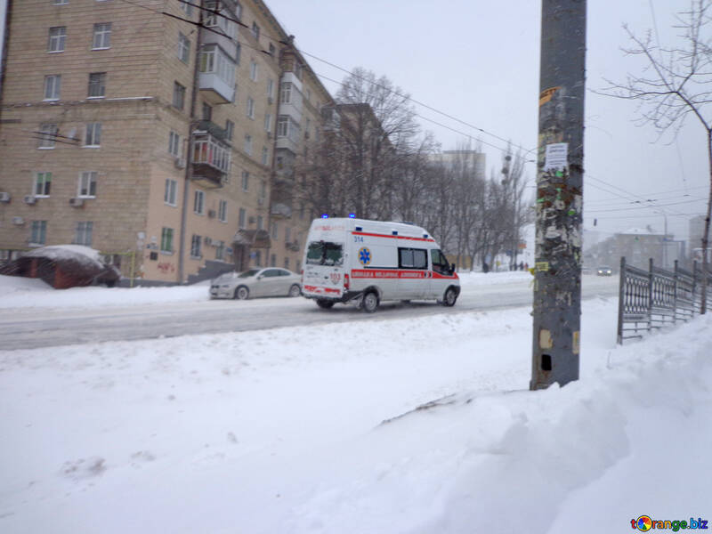 Ambulance driving on snowy road №21550