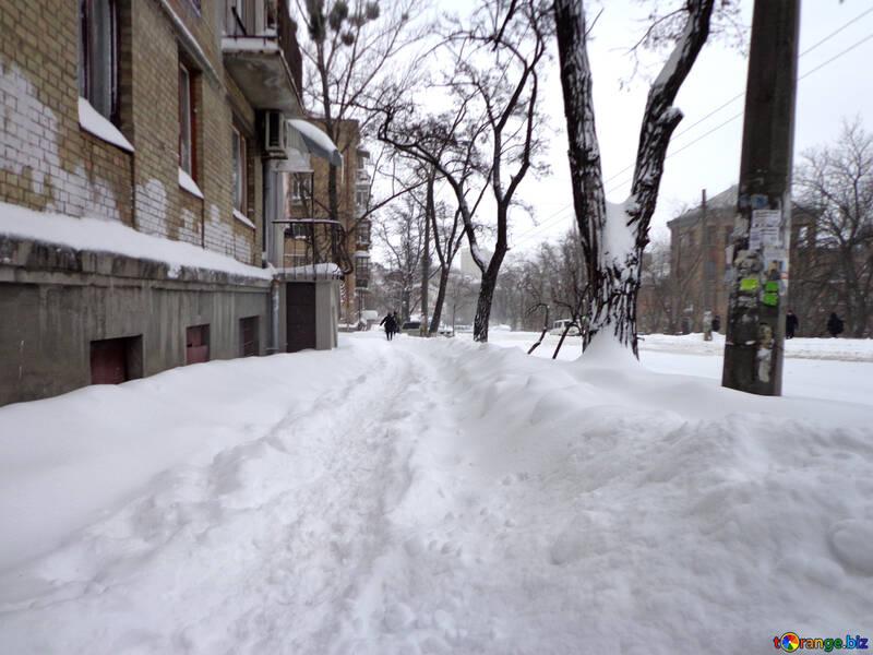 Not cleared the sidewalk №21594