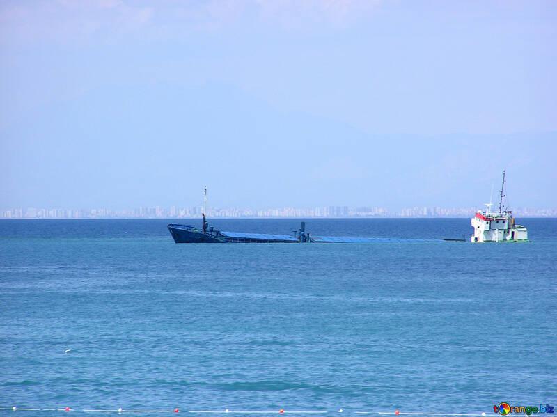Schiff lief auf Grund №21990