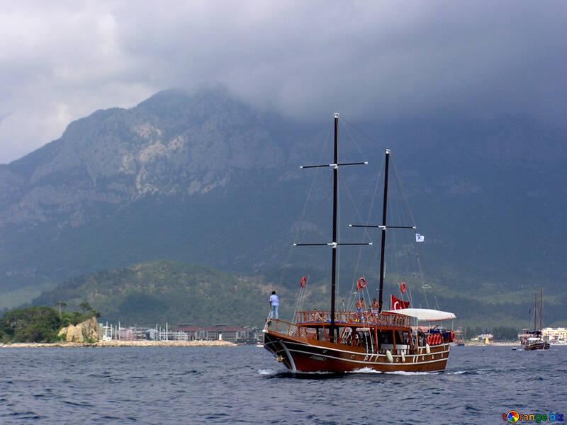 Turisti su yacht №21955