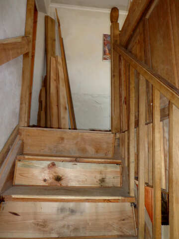 Home-made staircase in house made of wood №22861
