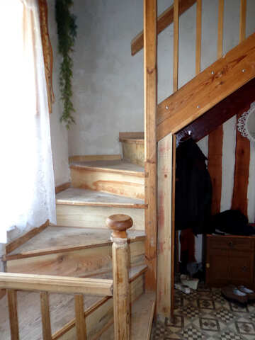 A wooden staircase №22862