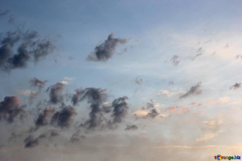 Figure dalle nuvole №22719