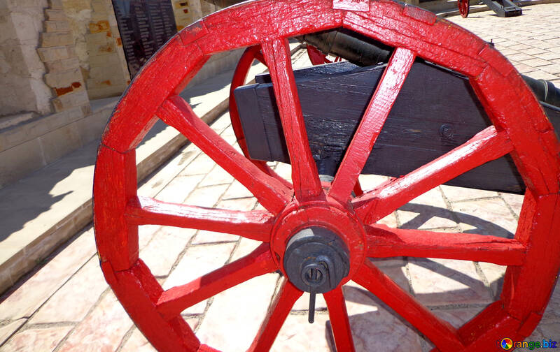 Wheel of an old cannon №22844