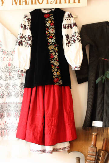 Ukrainian national clothes №23509