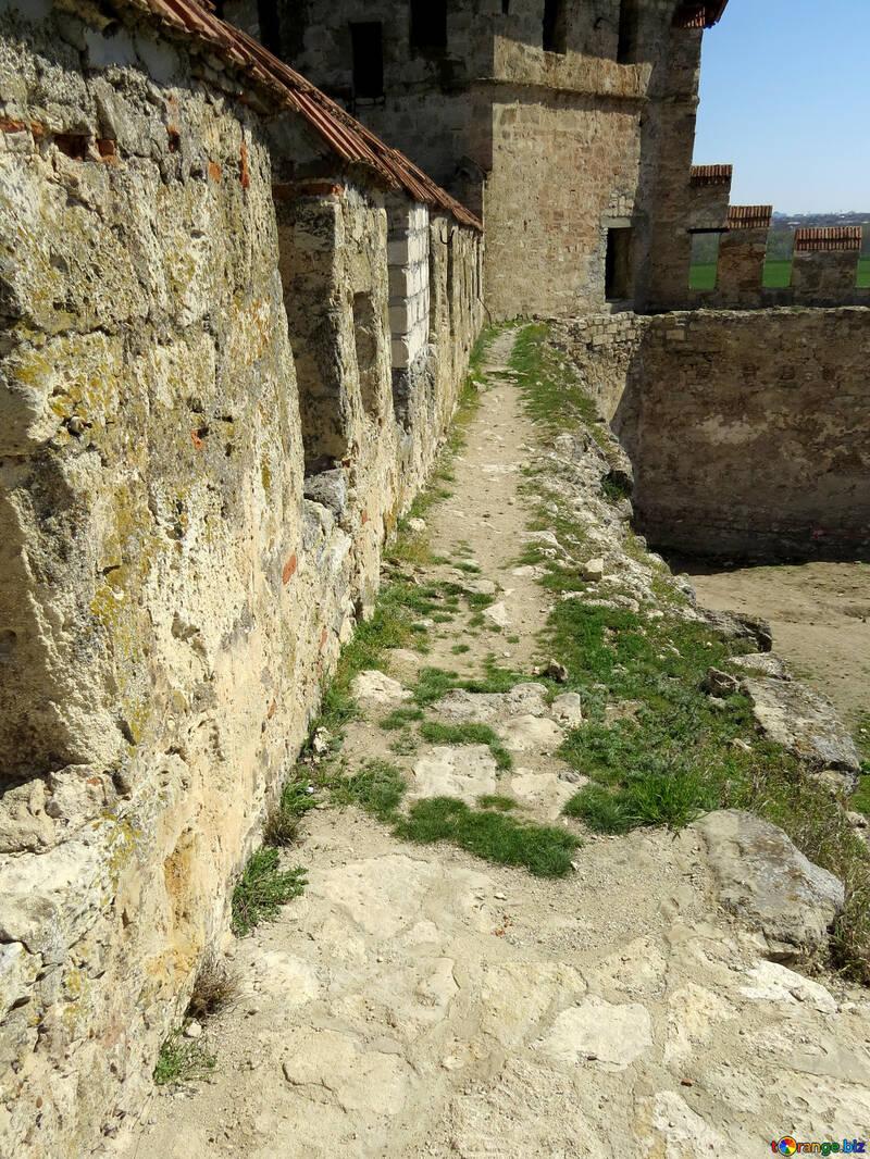 Las paredes de la antigua fortaleza №23632