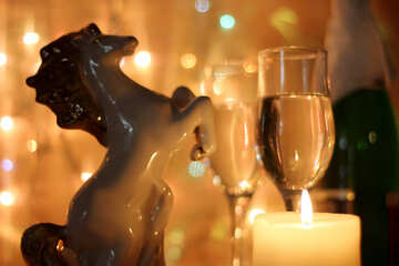 Champagne glasses and horse №24676