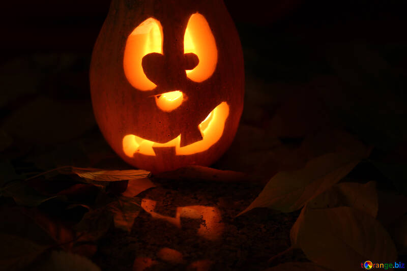 Tarjeta con calabaza de Halloween №24236