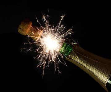 Feuersäule aus Flasche Champagner №25631
