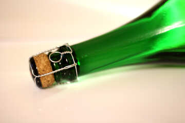Bottle of sparkling wine №25794