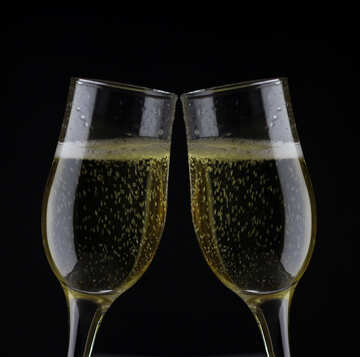 Glasses of champagne №25755