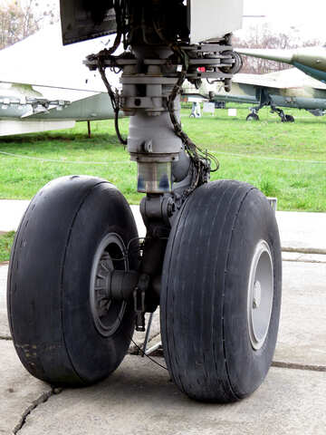 Old aircraft wheels №26380
