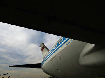 Under the wing of an airplane №26374