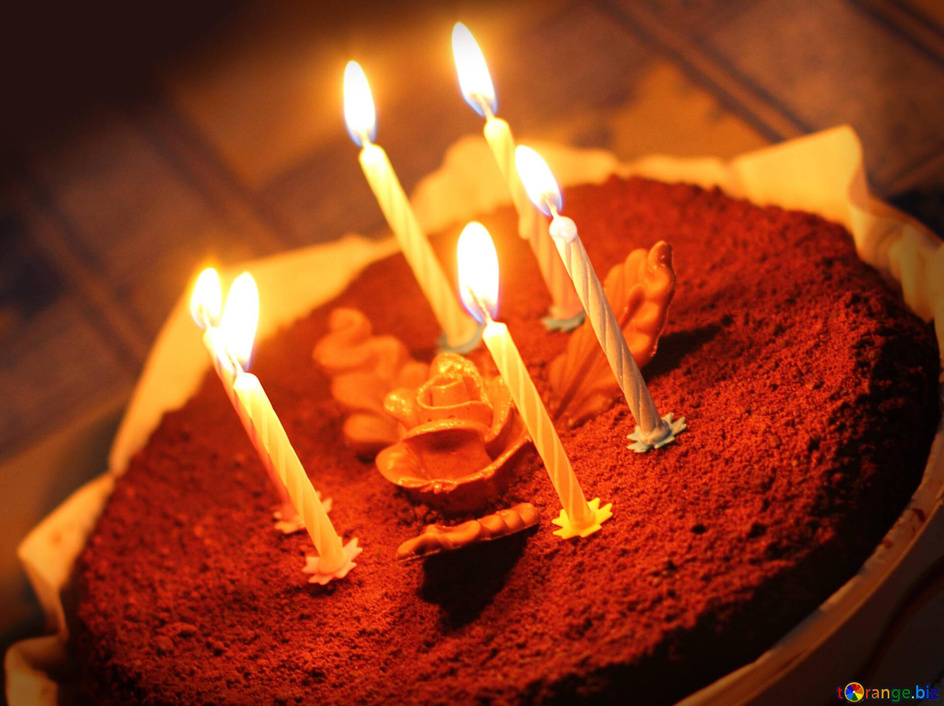 Тортики со свечами картинки прикольные