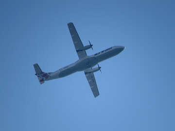 ATR-72 plane №27323